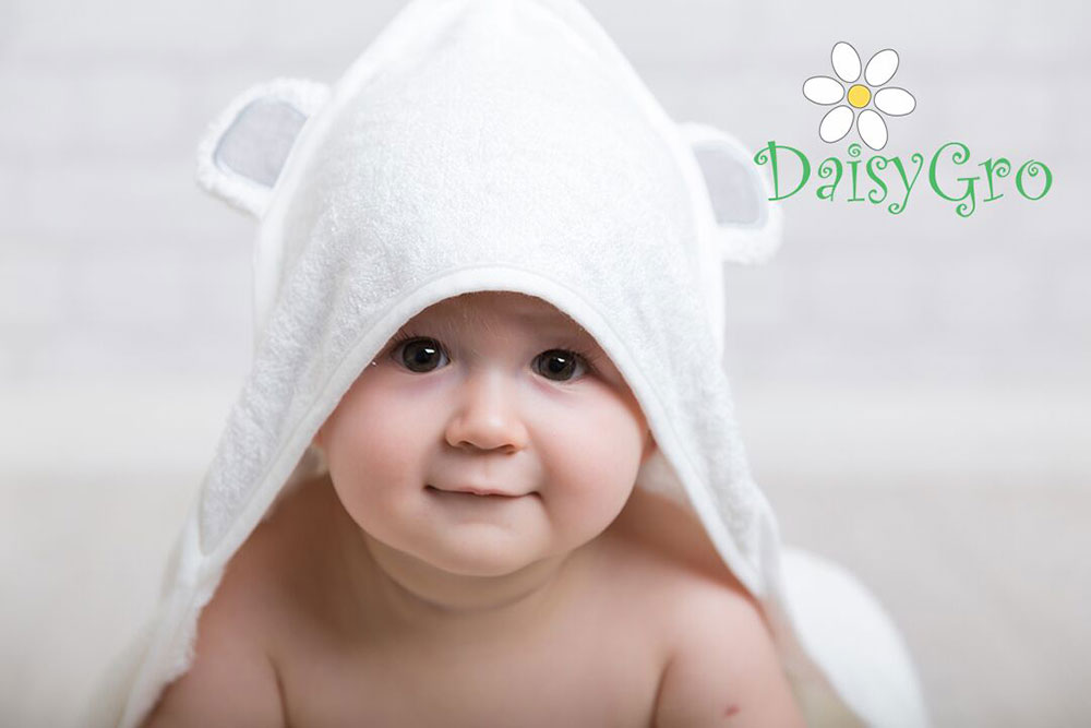 DaisyGro Hooded Towel